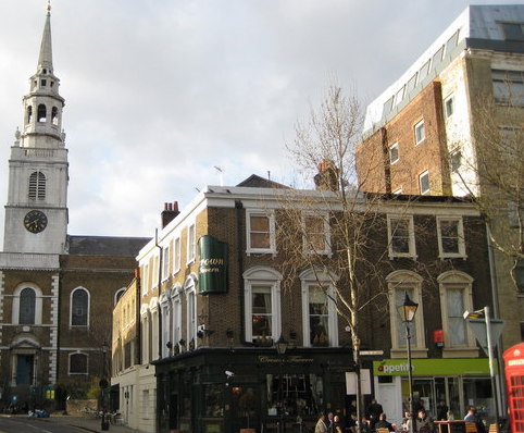clerkenwell_green_st_james_church_and_the_crown_tavern_ec1_-_geograph-org-uk_-_756407