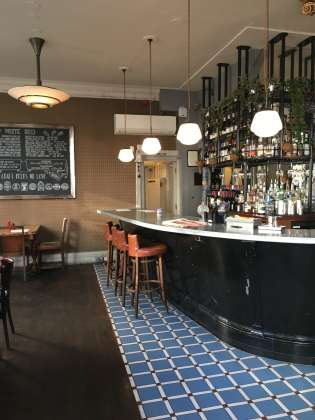 The Prince Bonaparte, London, pub, art deco, sunday roast, bar