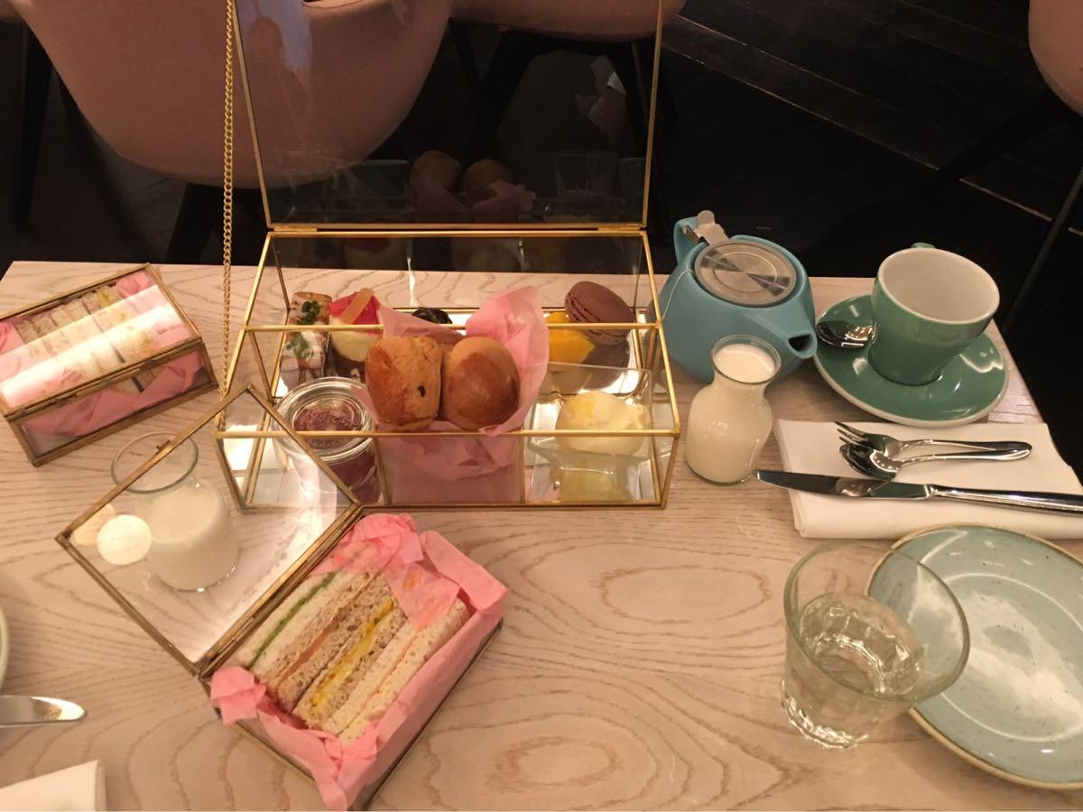 Bronte restaurant, Afternoon Tea, Trafalgar Square, London