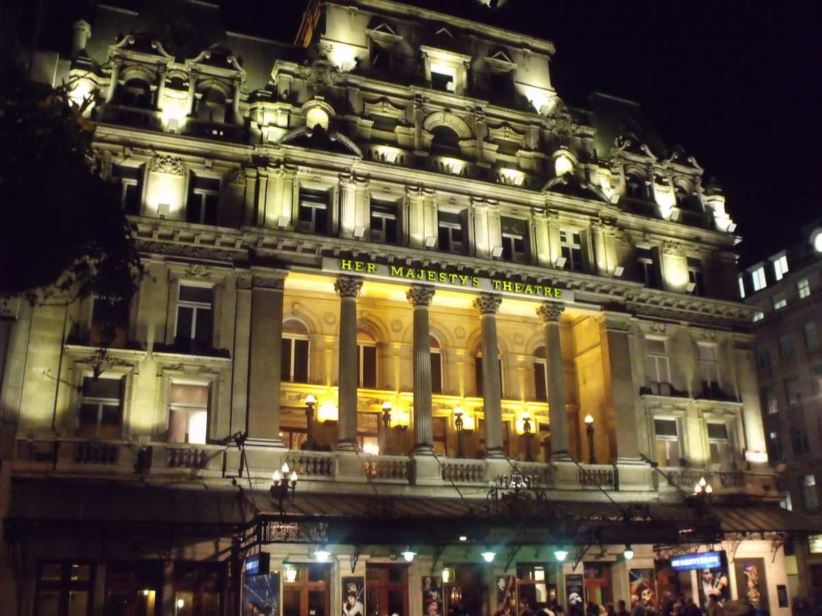Her_Majestys_Theatre_-_Haymarket,_London_-_The_Phantom_of_the_Opera_(6438908359)